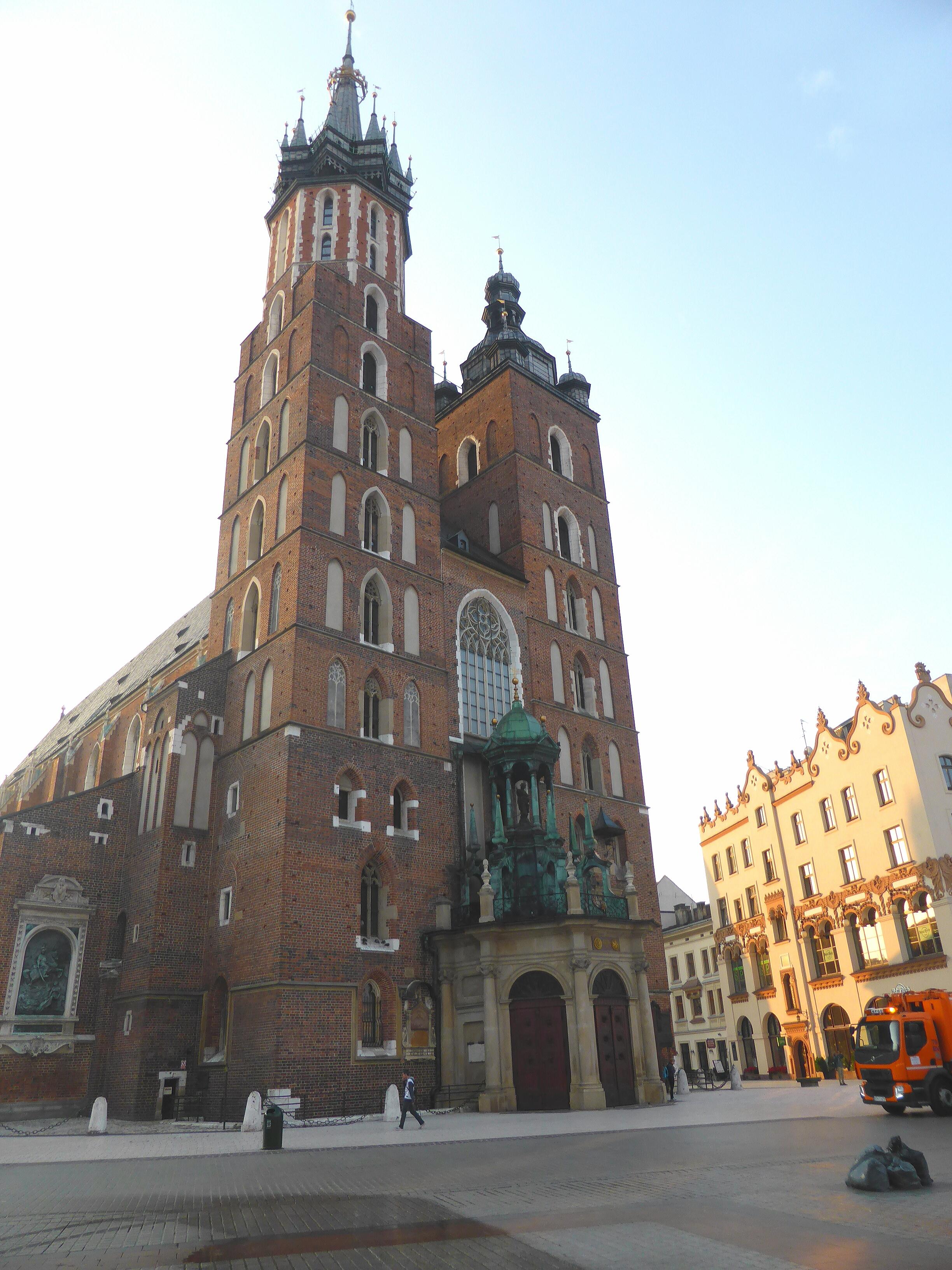 Hardlopen in Krakau, trompetgeschal uit de Mariakerk
