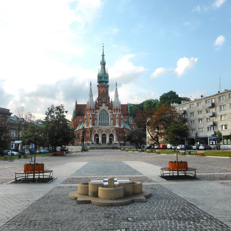 Hardlopen in Krakau, de Sint-Jozefkerk met de opvallend rode bakstenen