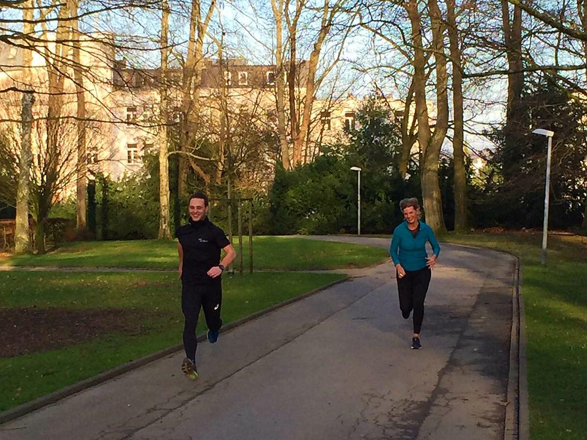 Hardlopen in Aken, estafette in het park