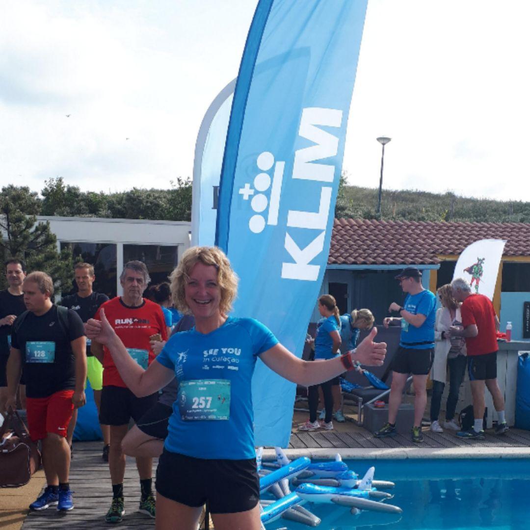 KLM Scheveningen Beach Run - opblaas vliegtuigen