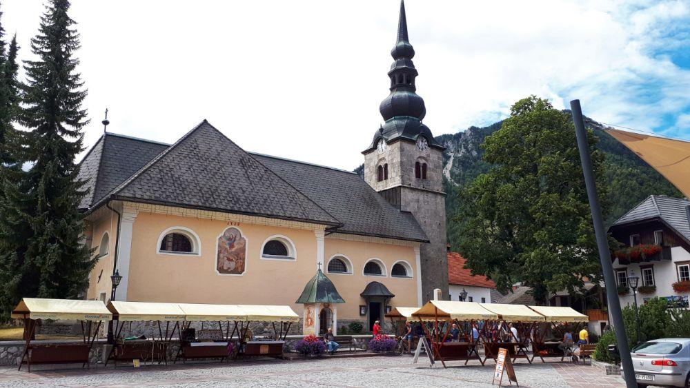 Hardlopen in Slovenië-de kerk