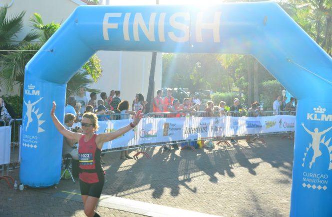 Halve marathon van Curaçao - eindelijk de finish
