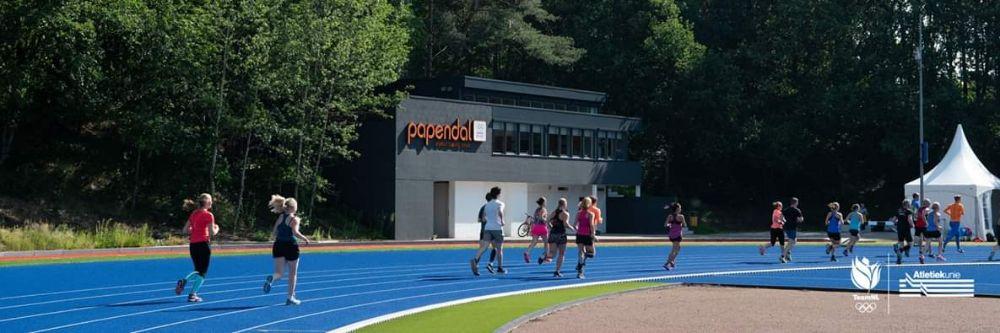 Hardlopen met Tony en Danaid - de mooie atletiekbaan