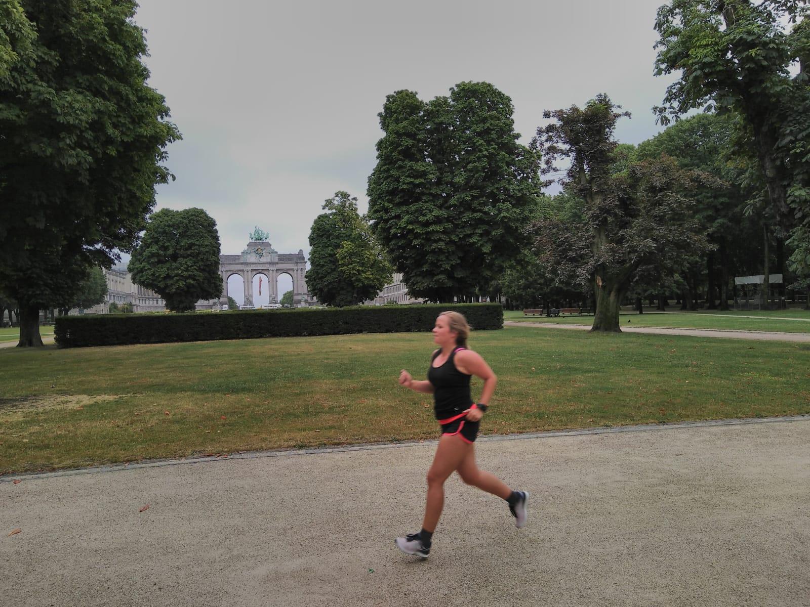 Hardlopen in Brussel jubelpark arc de triomphe
