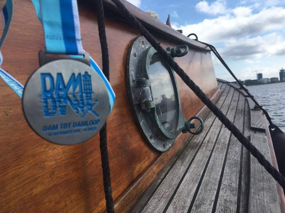 Dam tot Damloop - boot Amsterdam