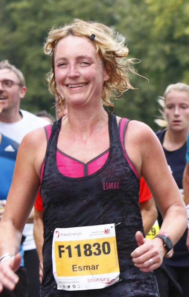 Halve marathon Keulen - Esmar blij